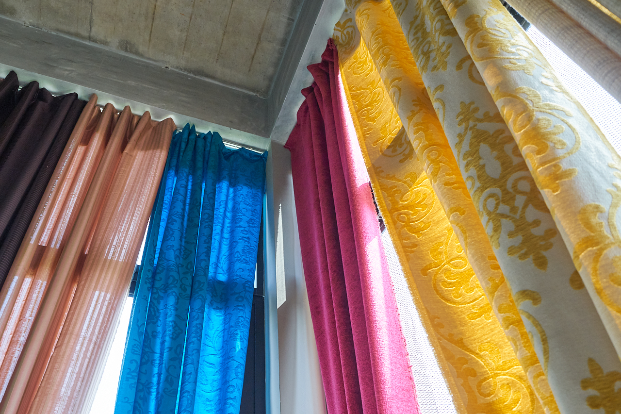 Heartaches of ready made curtain